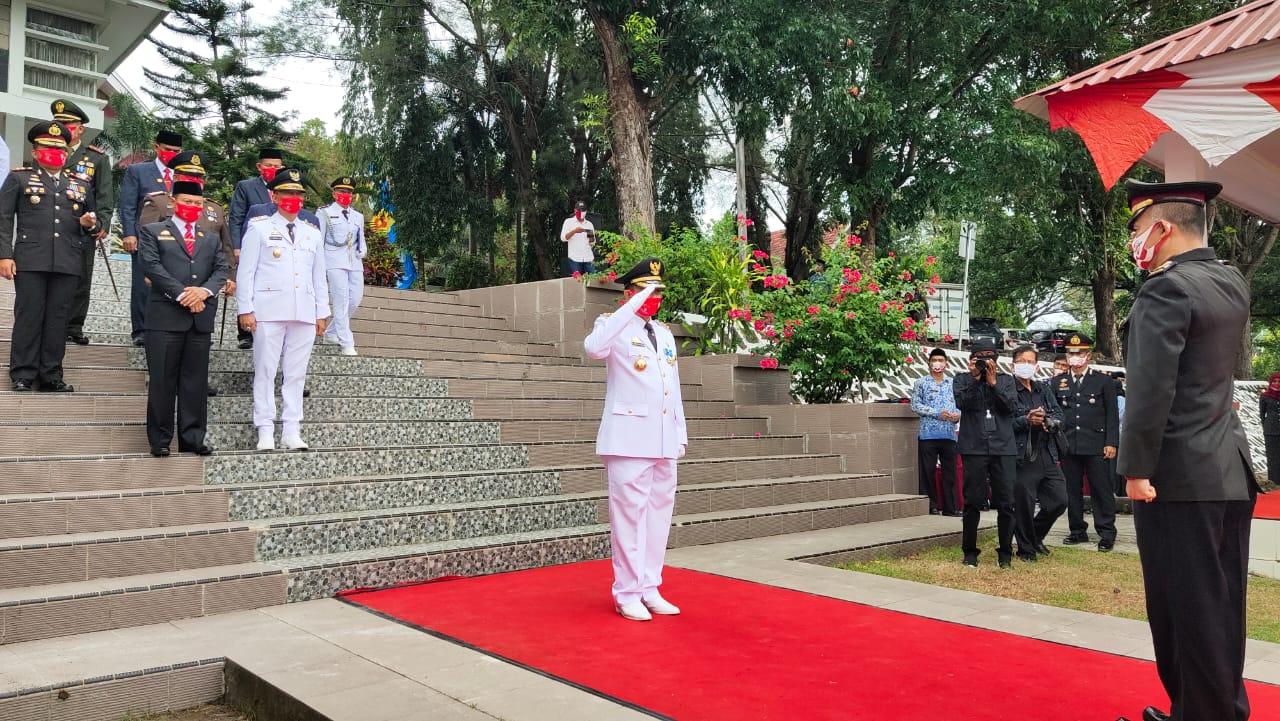 Puncak Peringatan Hari Kemerdekaan Republik Indonesia RI ke 75 Dilaksanakan di Halaman Kantor Bupati