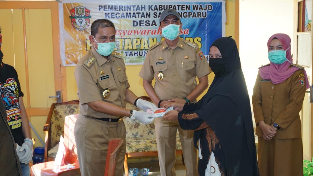 Bupati dan Wakil Bupati Wajo Dr Amran Mahmud dan Haji Amran SE melakukan pengecekan kesiapsiagaan Pe