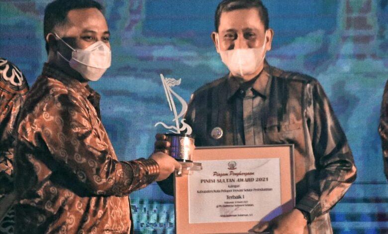 Terima Penghargaan Pinisi Sultan Award, Bupati Wajo : Ini Spirit Kami Dalam Upaya Pengembalian Kejayaan Sutera